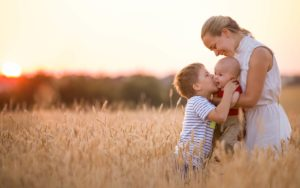 Header-Family-in-Field